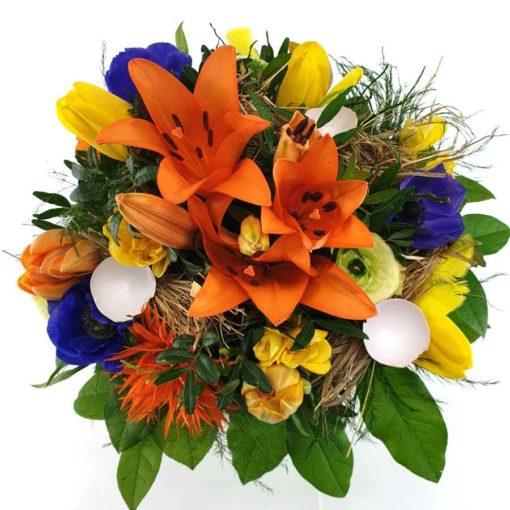 Bunter Blumenstrauß buntes Osternest
